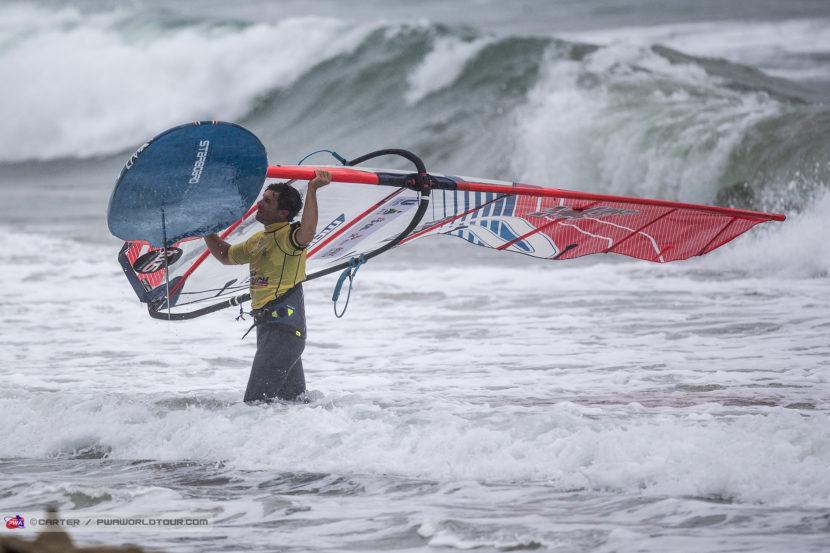 Matteo Iachino im Shorebreak